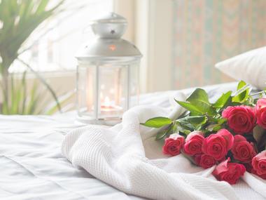 valentyn v posteli